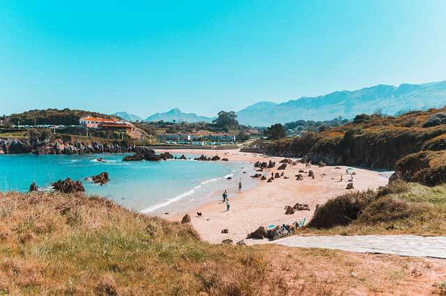 une photo de plage des asturies